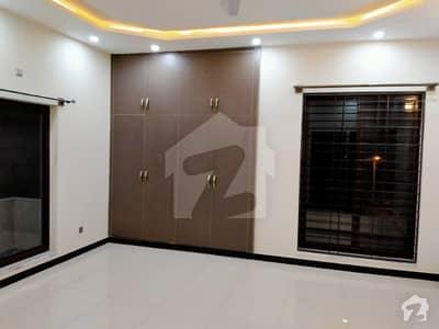 ڈی ایچ اے ڈیفینس فیز 2 ڈی ایچ اے ڈیفینس اسلام آباد میں 4 کمروں کا 10 مرلہ بالائی پورشن 35 ہزار میں برائے فروخت۔