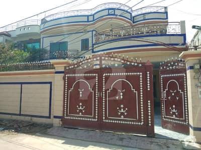 فاروق کالونی سرگودھا میں 5 کمروں کا 12 مرلہ مکان 55 ہزار میں کرایہ پر دستیاب ہے۔