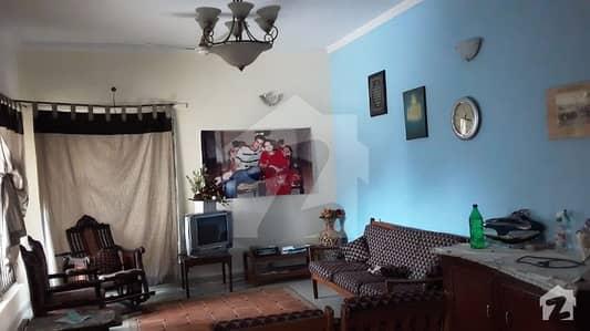 عسکری 10 عسکری لاہور میں 4 کمروں کا 10 مرلہ مکان 2.6 کروڑ میں برائے فروخت۔
