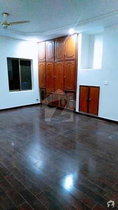 Portion For Rent In Gulberg
