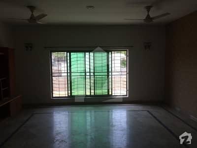 گلبرگ 3 - بلاک اے1 گلبرگ 3 گلبرگ لاہور میں 3 کمروں کا 10 مرلہ بالائی پورشن 65 ہزار میں کرایہ پر دستیاب ہے۔