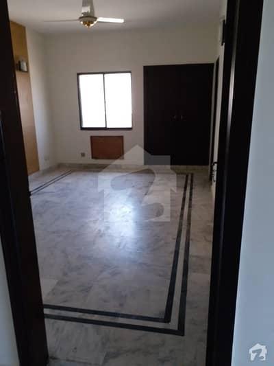 کلفٹن ۔ بلاک 5 کلفٹن کراچی میں 3 کمروں کا 8 مرلہ فلیٹ 85 ہزار میں کرایہ پر دستیاب ہے۔