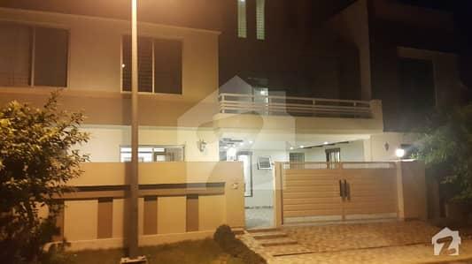 بحریہ ٹاؤن گلمہر بلاک بحریہ ٹاؤن سیکٹر سی بحریہ ٹاؤن لاہور میں 5 کمروں کا 10 مرلہ مکان 70 ہزار میں کرایہ پر دستیاب ہے۔