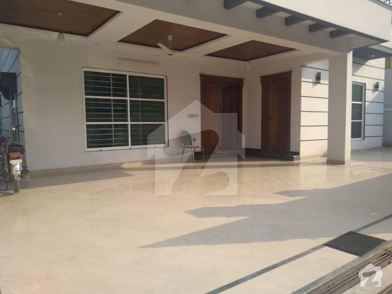 نیشنل پولیس فاؤنڈیشن او ۔ 9 اسلام آباد میں 6 کمروں کا 1 کنال مکان 3.5 کروڑ میں برائے فروخت۔