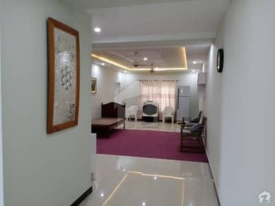 حیات آباد فیز 3 حیات آباد پشاور میں 4 کمروں کا 16 مرلہ پینٹ ہاؤس 1.75 کروڑ میں برائے فروخت۔