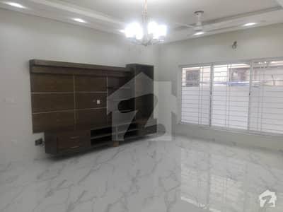 ای ۔ 11/3 ای ۔ 11 اسلام آباد میں 6 کمروں کا 1 کنال مکان 9.75 کروڑ میں برائے فروخت۔