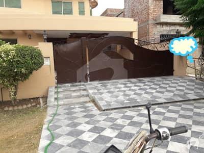 ڈی ایچ اے فیز 4 - بلاک ڈیڈی فیز 4 ڈیفنس (ڈی ایچ اے) لاہور میں 5 کمروں کا 1 کنال مکان 1.6 لاکھ میں کرایہ پر دستیاب ہے۔