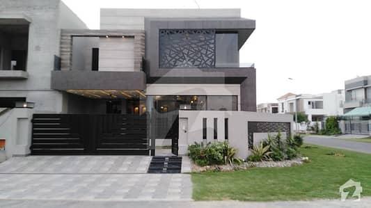 ڈی ایچ اے فیز 6 - بلاک ڈی فیز 6 ڈیفنس (ڈی ایچ اے) لاہور میں 4 کمروں کا 11 مرلہ مکان 3.65 کروڑ میں برائے فروخت۔