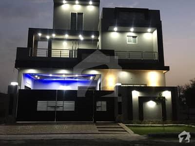 ایل ڈی اے ایوینیو لاہور میں 6 کمروں کا 10 مرلہ مکان 1.85 کروڑ میں برائے فروخت۔
