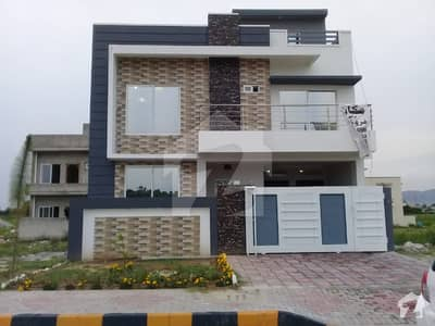 New House For Sale On Main 100 Sq Ft Road