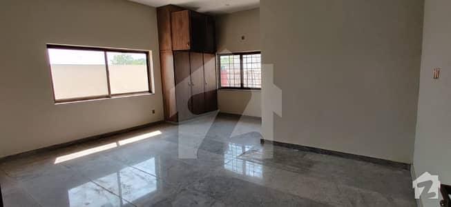 جی ٹی روڈ اسلام آباد میں 6 کمروں کا 2 کنال مکان 8 کروڑ میں برائے فروخت۔