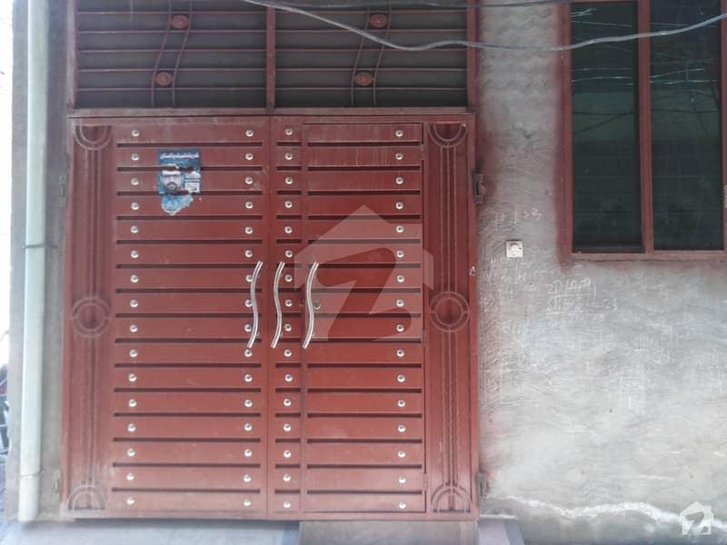 ملتان روڈ لاہور میں 3 کمروں کا 2 مرلہ مکان 45 لاکھ میں برائے فروخت۔
