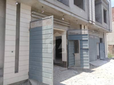 ملتان روڈ لاہور میں 3 کمروں کا 3 مرلہ مکان 70 لاکھ میں برائے فروخت۔