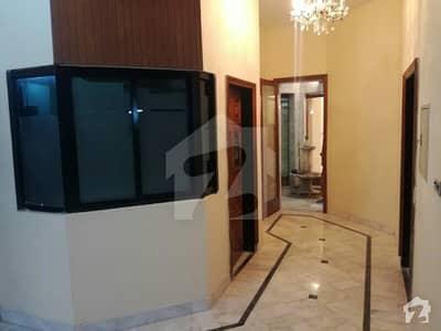 نیو مسلم ٹاؤن لاہور میں 5 کمروں کا 15 مرلہ مکان 4.95 کروڑ میں برائے فروخت۔