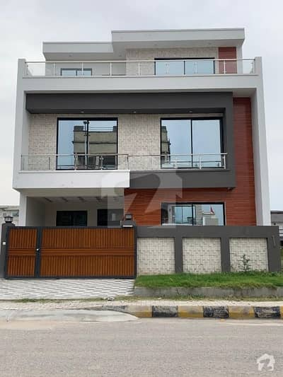 River Garden - Double Storey House For Rent