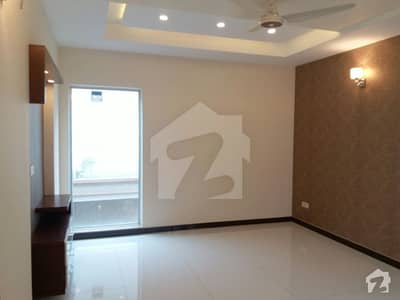 One Kanal House Available For Sale In Wapda Town Lahore