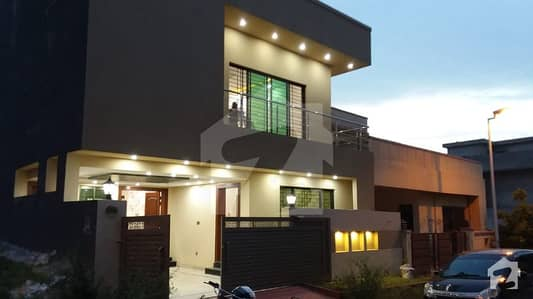 Bahria Town Phase 8 7 Marla Brand 15 Year Old House Single Unit House For Urgent Sale Final 125 Crore