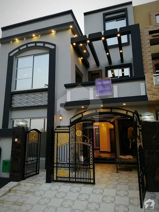 5 Marla Luxury Brand New Lower Portion For Rent Nearby McDonald's