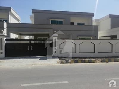فالکن کمپلیکس نیوملیر ملیر کراچی میں 5 کمروں کا 1 کنال مکان 6.05 کروڑ میں برائے فروخت۔