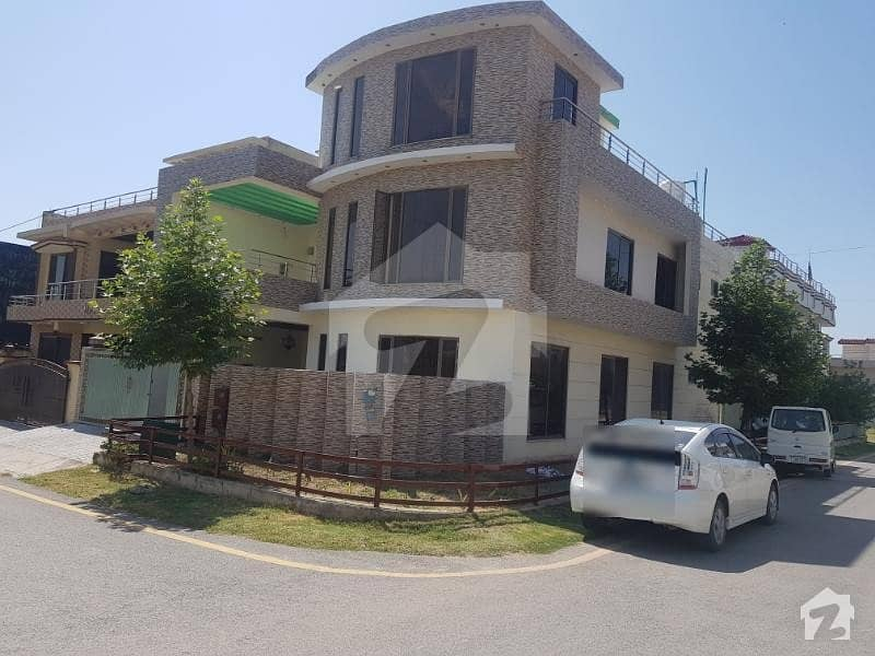 10 Marla Corner House For Sale In F-17