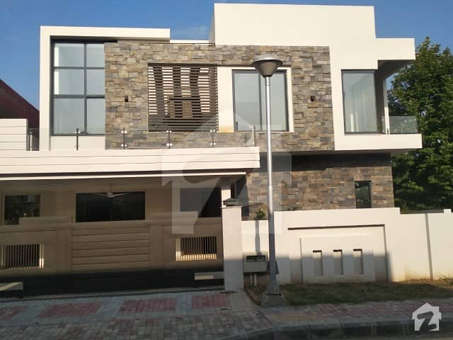 5 Bedroon Corner & Designer House For Sale In Bahria Town Phase 4