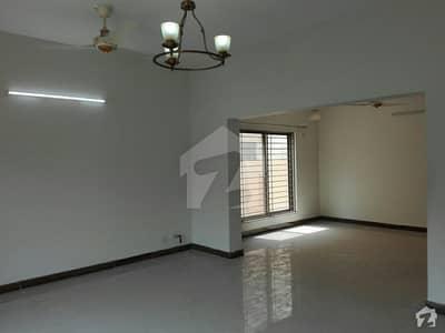 عسکری 10 - سیکٹر اے عسکری 10 عسکری لاہور میں 4 کمروں کا 17 مرلہ مکان 95 ہزار میں کرایہ پر دستیاب ہے۔