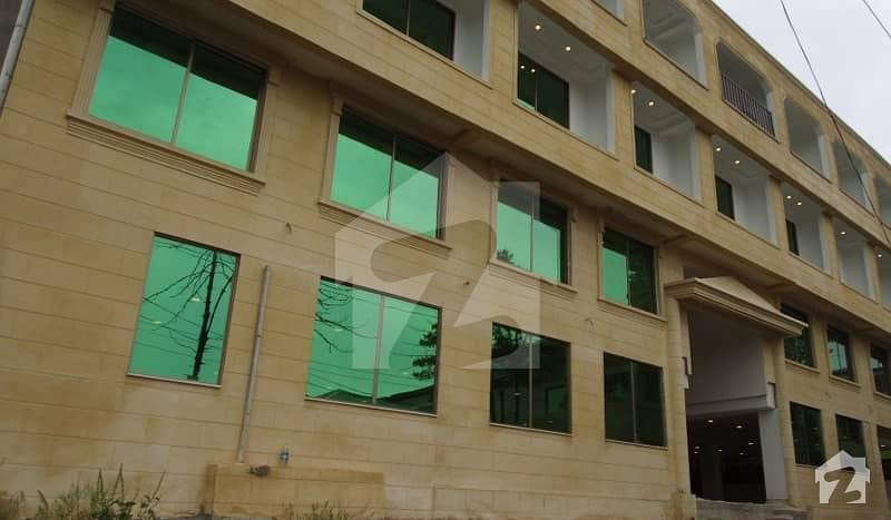 بھوربن مری میں 2 کمروں کا 5 مرلہ فلیٹ 1.05 کروڑ میں برائے فروخت۔