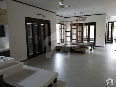 ڈی ایچ اے فیز 6 ڈی ایچ اے کراچی میں 6 کمروں کا 1 کنال مکان 14.5 کروڑ میں برائے فروخت۔