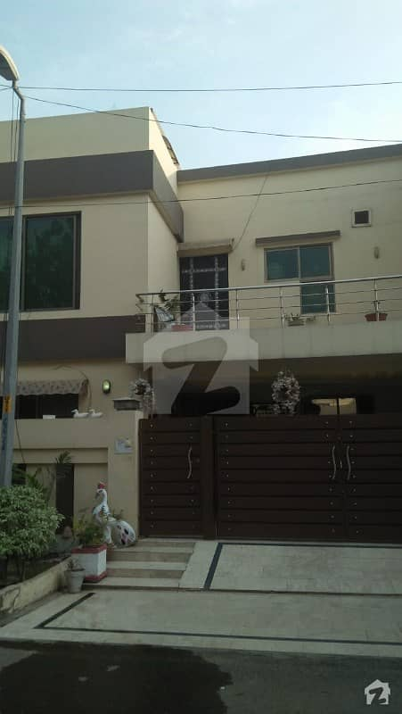 10 Marla House For Rent In Janiper Block Bahria Town