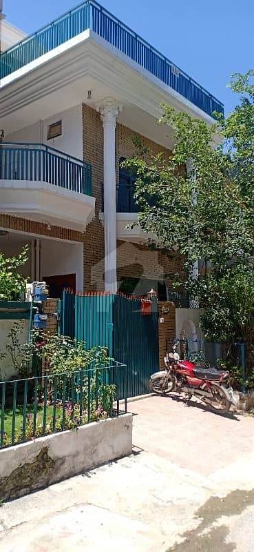 G 111 House For Sale 25+50 Triple Storey Excellent Location