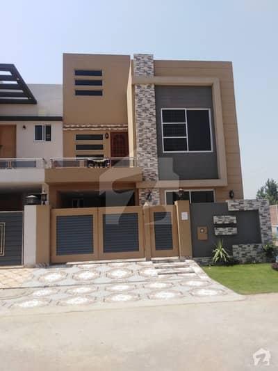 بحریہ ٹاؤن ۔ بلاک ای ای بحریہ ٹاؤن سیکٹرڈی بحریہ ٹاؤن لاہور میں 3 کمروں کا 5 مرلہ مکان 99.5 لاکھ میں برائے فروخت۔