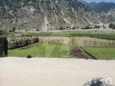 گل آباد لوئر دیر میں 8 مرلہ کمرشل پلاٹ 16 لاکھ میں برائے فروخت۔
