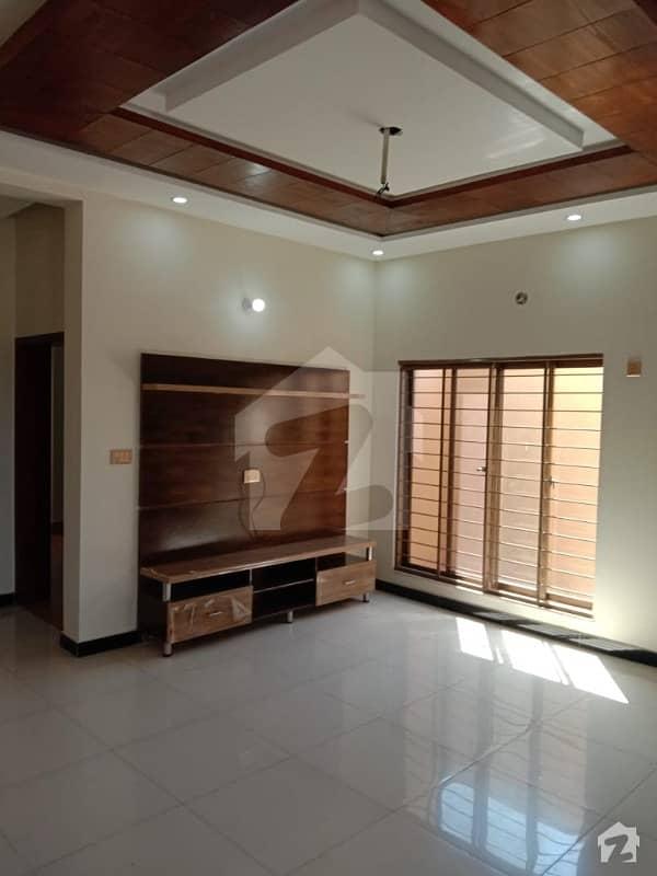 نشیمنِ اقبال فیز 2 نشیمنِ اقبال لاہور میں 5 کمروں کا 10 مرلہ مکان 1.49 کروڑ میں برائے فروخت۔