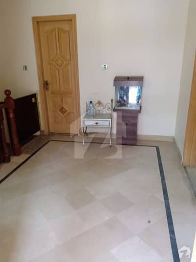 جی ۔ 11/3 جی ۔ 11 اسلام آباد میں 4 کمروں کا 4 مرلہ مکان 1.85 کروڑ میں برائے فروخت۔