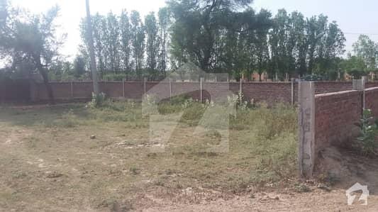 لاہور - قصور روڈ لاہور میں 1 کمرے کا 64 کنال فارم ہاؤس 12 کروڑ میں برائے فروخت۔