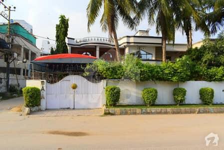 600 Sq Yards Corner Plus Road Facing House