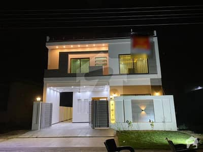 10 Marla Brand New House For Sale Facing Park  In J-block Lda Avenue One Lahore