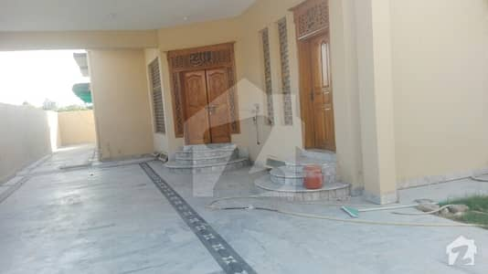 پی اے ایف ترنول ۔ بلاک ایف پی اے ایف ترنول اسلام آباد میں 7 کمروں کا 1 کنال مکان 80 ہزار میں کرایہ پر دستیاب ہے۔