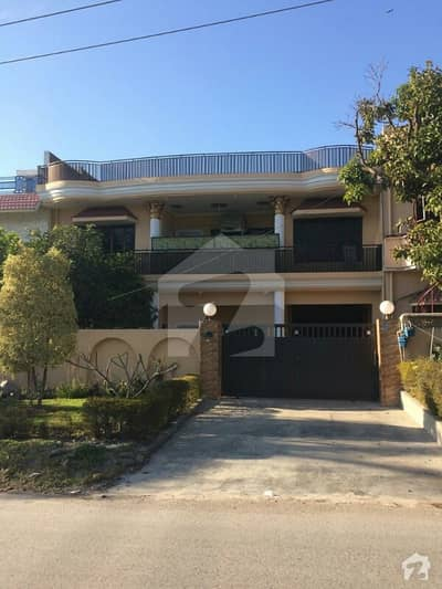 I-8/4 Investor Prices Front Open 40x80 Double Storey Liveable House For Sale
