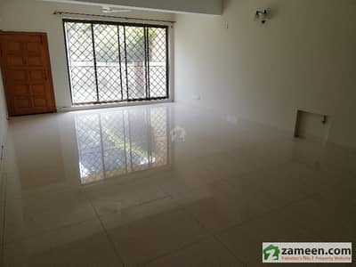 F11 400 Sqyard Double Storey House 6 Bedrooms Available For Sale