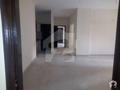 جناح ایونیو کراچی میں 3 کمروں کا 8 مرلہ فلیٹ 1.6 کروڑ میں برائے فروخت۔