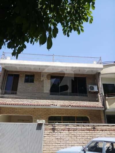 میلوڈی مارکیٹ جی ۔ 6 اسلام آباد میں 6 کمروں کا 112.5 کنال مکان 1.3 لاکھ میں کرایہ پر دستیاب ہے۔