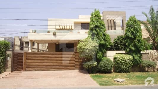 1 Kanal Fully Furnished Upper Portion For Rent In A Block Of DHA Phase 3 Lahore