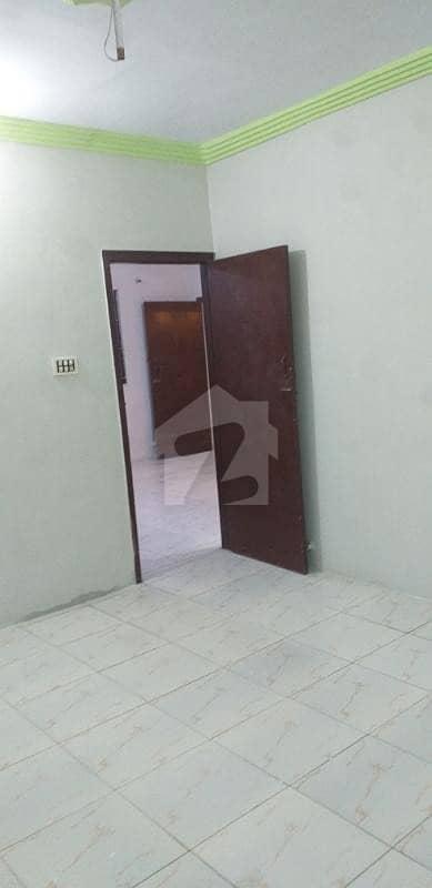 نارتھ کراچی ۔ سیکٹر 11بی نارتھ کراچی کراچی میں 2 کمروں کا 6 مرلہ بالائی پورشن 25 ہزار میں کرایہ پر دستیاب ہے۔