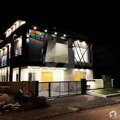 بحریہ ٹاؤن فیز 8 ۔ بلاک ڈی بحریہ ٹاؤن فیز 8 بحریہ ٹاؤن راولپنڈی راولپنڈی میں 5 کمروں کا 10 مرلہ مکان 3.1 کروڑ میں برائے فروخت۔