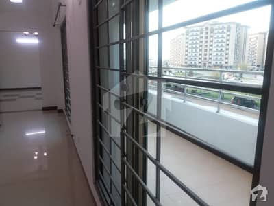 3 Bed Rooms Apartment 10 Marla Brand New