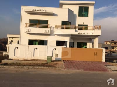 3 Storey House For Rent