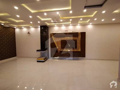 7 Marla Corner Brand New House For Sale