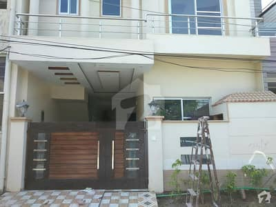گرین پارک سوسائٹی لاہور میں 4 کمروں کا 6 مرلہ مکان 1.25 کروڑ میں برائے فروخت۔