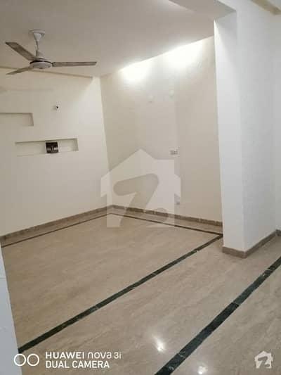 آفیسر کالونی لاہور میں 3 کمروں کا 4 مرلہ مکان 1.1 کروڑ میں برائے فروخت۔